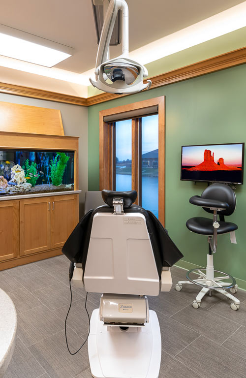 The-Dental-Center_Cedar-Rapids_Hiawatha-request-an-appointment_copyright-2019-Jonathan-David-Sabin_Infinity-Photographic-Productions
